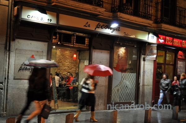 Calle de la Cava Baja tapas bar