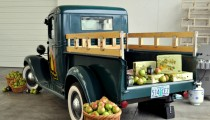 Wordless Wednesday: Harry & David Truck of Pears