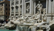 Fendi sponsors Trevi Fountain restoration