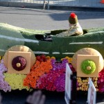 The cute pickle car that followed the Trader Joe's float
